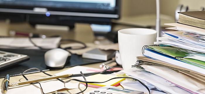 desk-clutter-a9bb75166f838a290b74b3cd1c15734cb3107df7